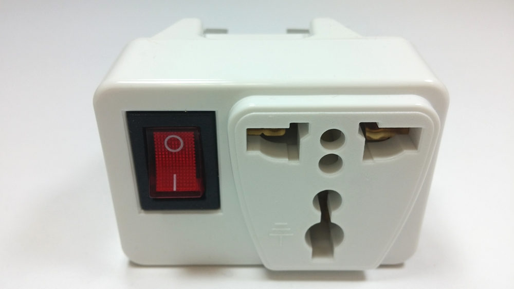 609E Universal Plug Adapter with Switch for UK Outlet
